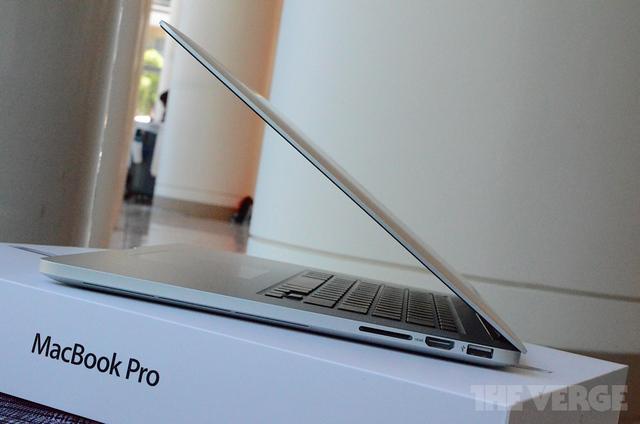 Need a new laptop! - Page 2 New-macbook-pro-retina-hands-pics-DSC_5527-rm-verge-1020_large_verge_medium_landscape