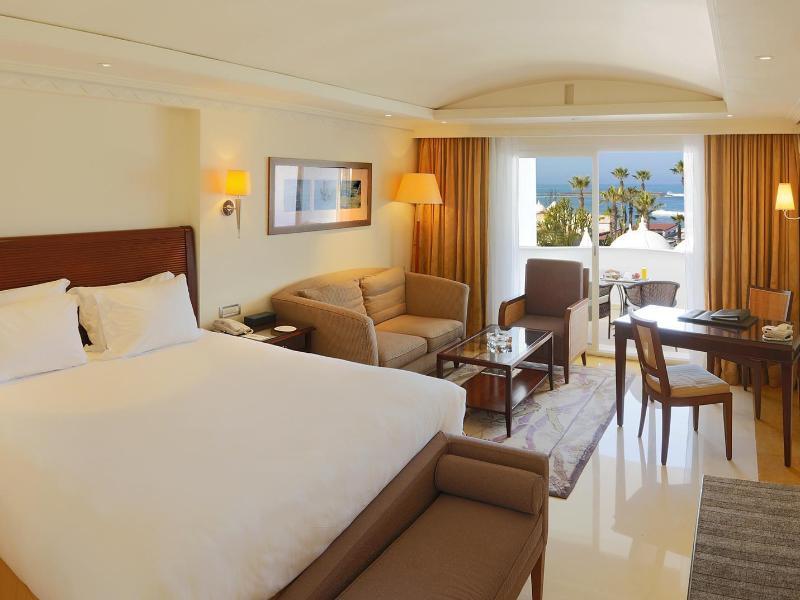 فنادق اقامة الاندية المشاركة في كاس العالم 148532_14061018310019777843_800x600