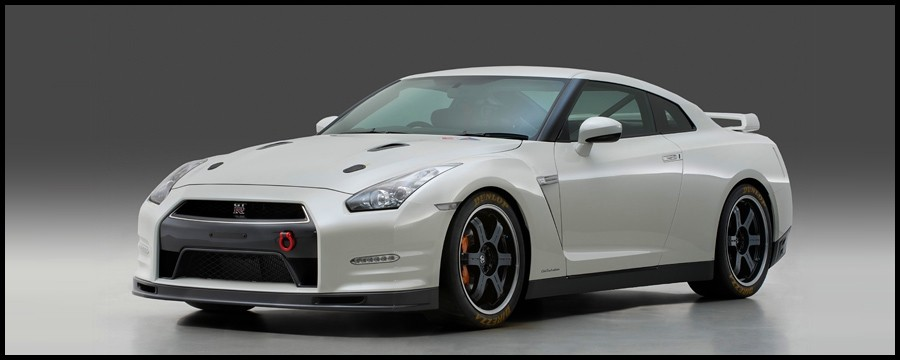 2007 - [Nissan] GT-R - Page 16 GT-R-Track-Pack-Edition-2013.1