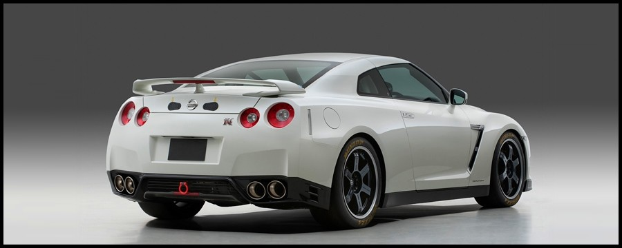 2007 - [Nissan] GT-R - Page 16 GT-R-Track-Pack-Edition-2013.2