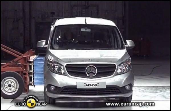 Mercedes Benz Citan : Une étoile de plus sur la capot... Mercedes-Benz-Citan-EuroNcap.0-600x390
