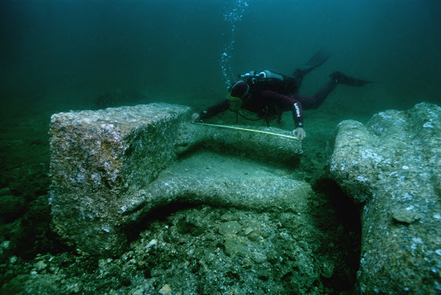 Ancient City Discovered Underwater Solves Enigma That Puzzled Egyptologists For Years Underwater-city8