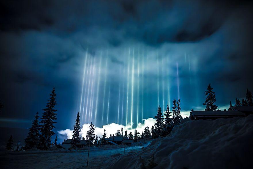 "Photographer Captures Amazing ""Pillars Of Light"" 1"