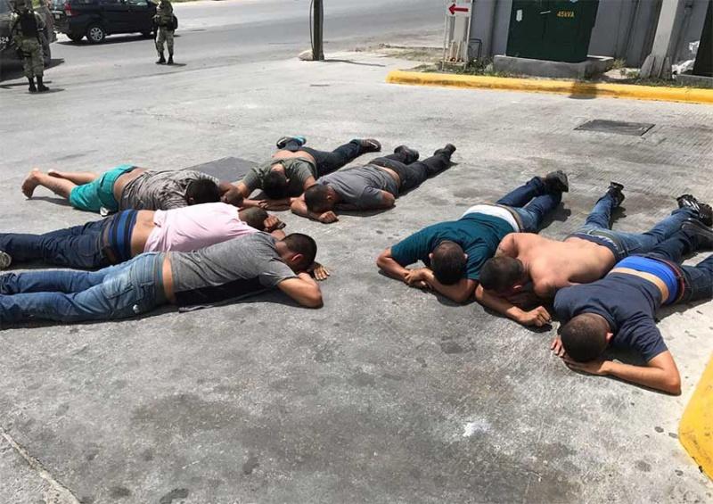 Ejército y Policia Estatal aseguran armas y vehiculos en Altamira 1695017