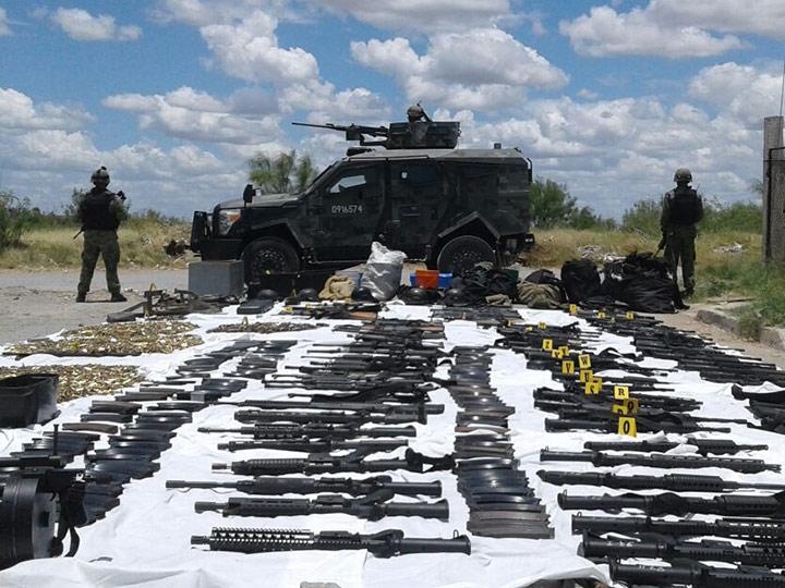 Ejército y Policia Estatal aseguran armas y vehiculos en Altamira 1708735