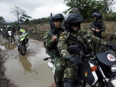 Colombia - Emboscada de guerrilla ELN en Colombia dejó diez militares muertos - Página 4 1868931