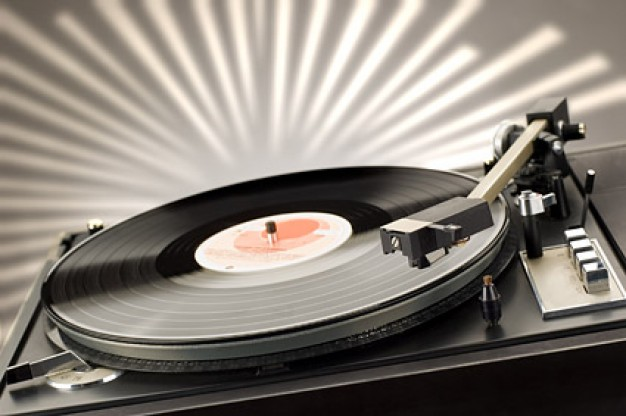 UP THE IRONS-Το καλύτερο rock ραδιόφωνο!  38-4383