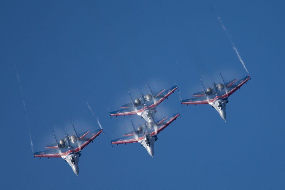المعرض الدولي العسكري البحري في مدينة سان بطرسبورغ  1014826197