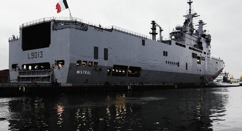 الفرنسية: هولاند اتفق مع السيسى على شروط صفقة حاملة الطائرات ميسترال 1015232957