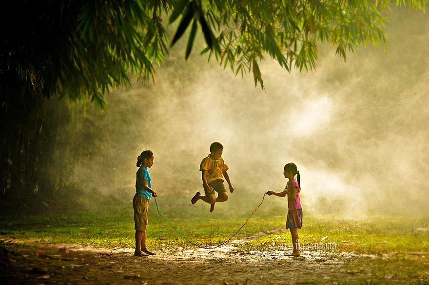 Bienvenidos al nuevo foro de apoyo a Noe #221 / 06.02.15 ~ 08.02.15 - Página 2 Children-around-the-world-5