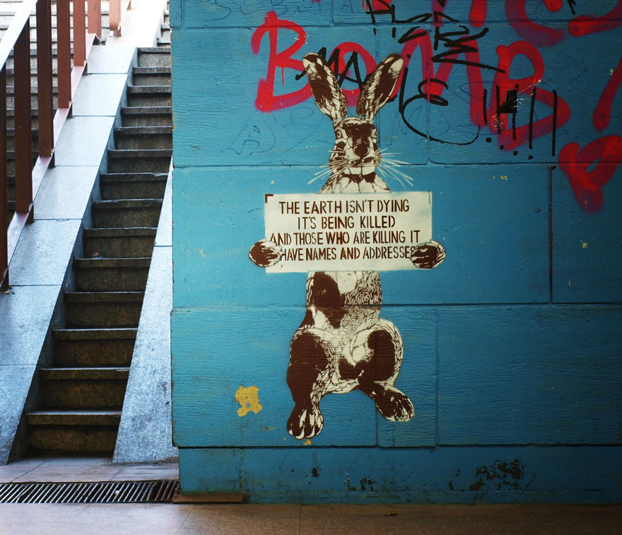 These Incredible Street Art Pieces Tell A Disturbing & Uncomfortable Truth About Society 141