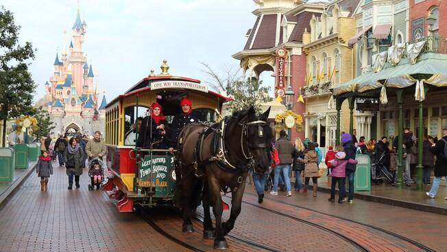 Horse-Drawn Streetcars - Page 3 N014578_2020mar27_horse-drawn-street-cars_16-9