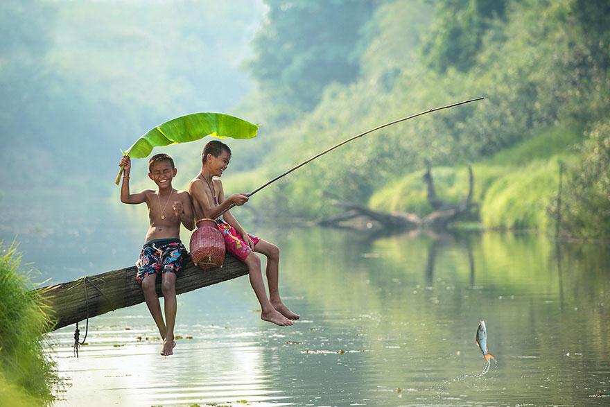 Bienvenidos al nuevo foro de apoyo a Noe #221 / 06.02.15 ~ 08.02.15 - Página 2 Children-around-the-world-1