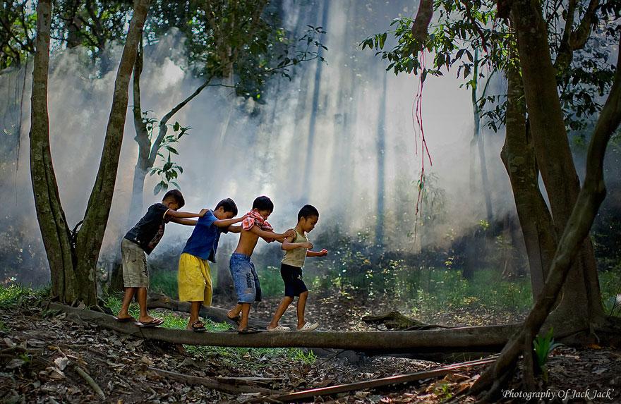Bienvenidos al nuevo foro de apoyo a Noe #221 / 06.02.15 ~ 08.02.15 - Página 2 Children-around-the-world-53
