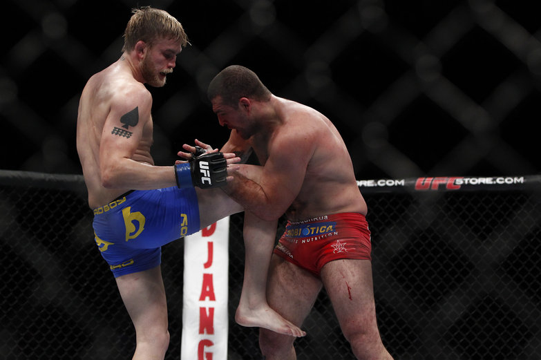 Alexander Gustafsson open to Anthony Johnson fight: 'Can't wait to show you what Battlefield feels like' 100_Shogun_vs_Gustafsson.0_standard_783.0