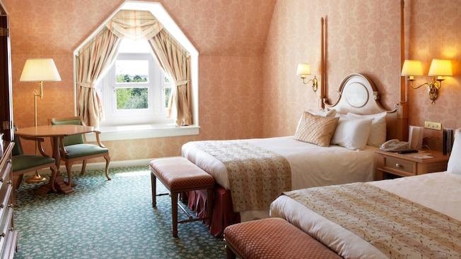 Castle Club al Disneyland Hotel N012819_2019jun_disneyland-hotel-double-room-castle-club_16-9