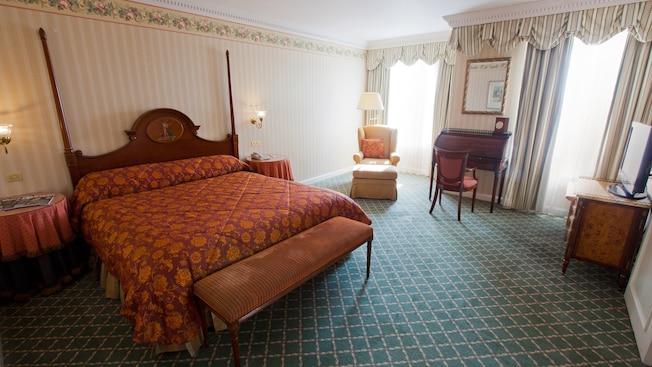 Castle Club al Disneyland Hotel N019066_2021sep01_disneyland-hotel-tinkerbell-suite_16-9