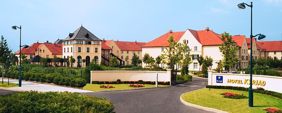 Kyriad Hotel (***) N006884_2017dec31_kyriad-hotel-entrance_900x360