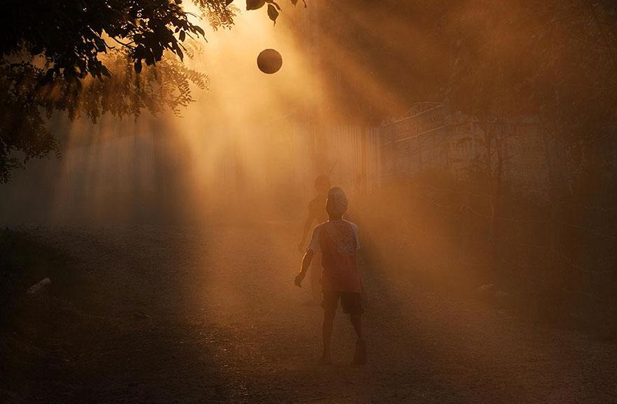 Bienvenidos al nuevo foro de apoyo a Noe #221 / 06.02.15 ~ 08.02.15 - Página 2 Children-around-the-world-22
