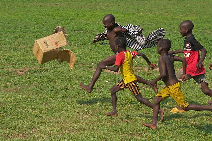 Bienvenidos al nuevo foro de apoyo a Noe #221 / 06.02.15 ~ 08.02.15 - Página 2 Children-around-the-world-611