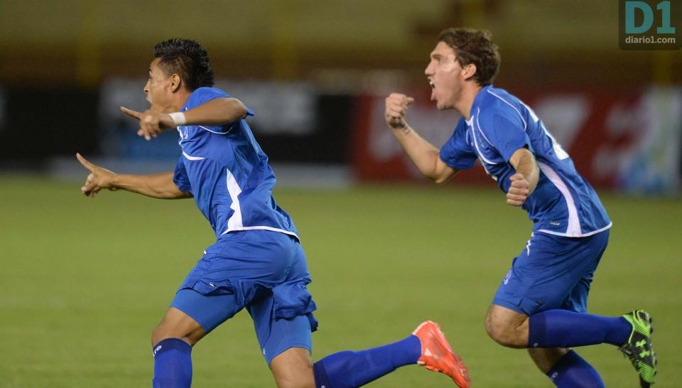 16-6-2015: Eliminatorias Copa Mundo Rusia 2018: El Salvador 4 San Cristobal y Nieves 1. ESA16062015_10-960x546