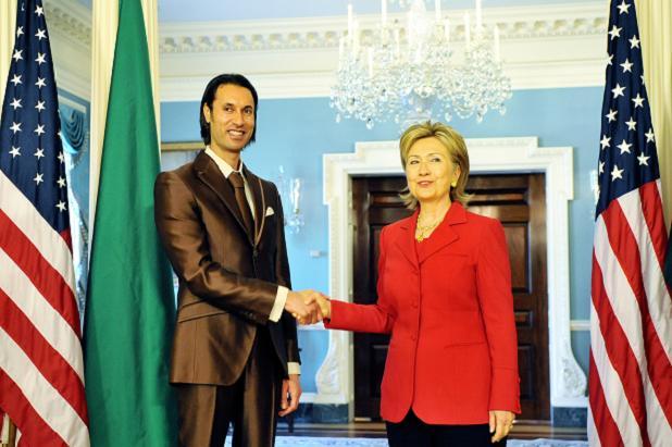 Aznar: Habría que dar a Cuba el mismo tratamiento que a Libia - Página 2 ClintonGaddafiJr