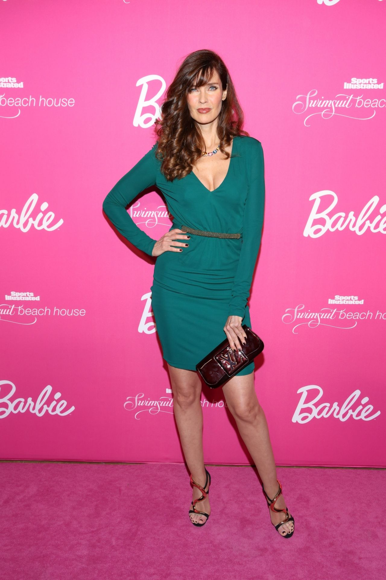 MILFs - El hilo de las maduritas - Página 6 Carol-alt-si-swimsuit-50th-anniversary-party-february-2014-part-2-_19