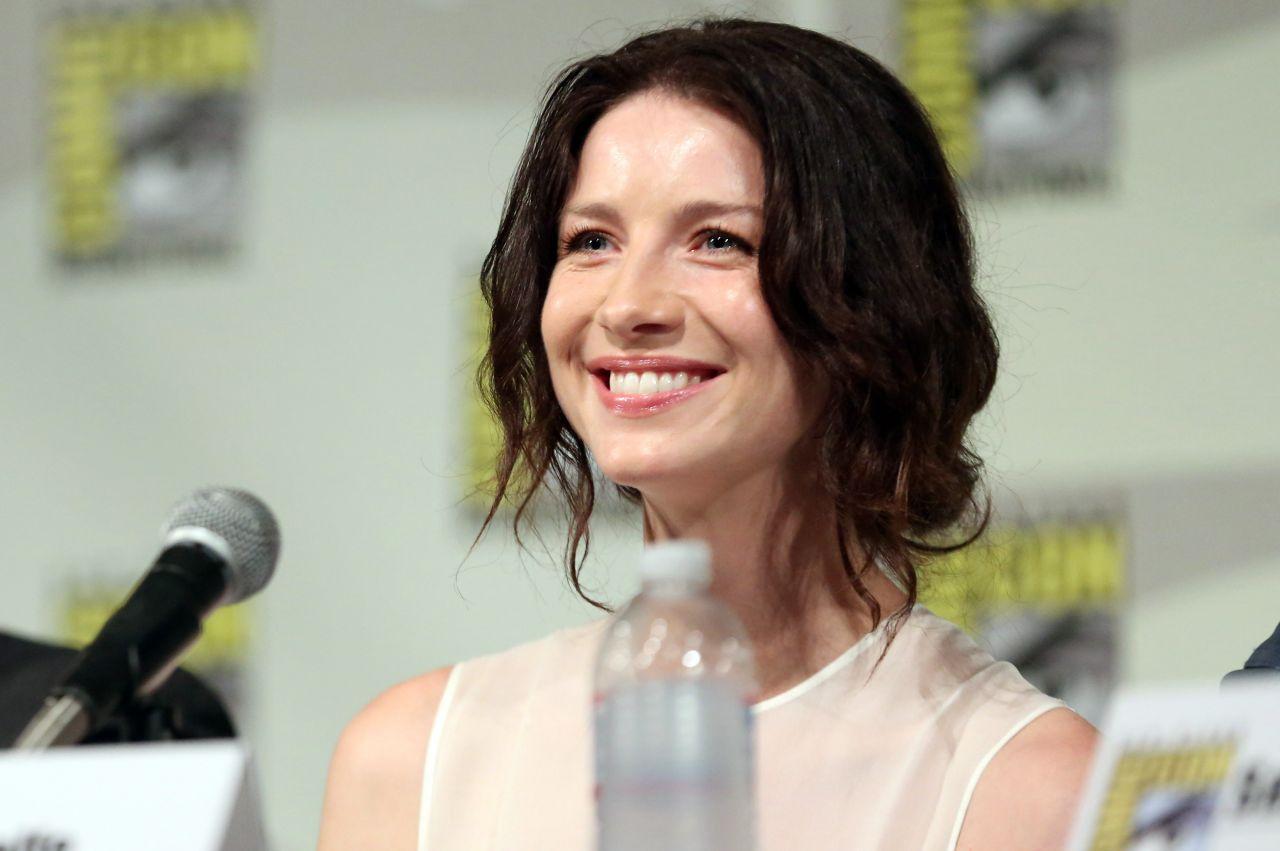 Outlander premiere  SDCC Caitriona-balfe-starz-outlander-press-panel-at-2014-comic-con-in-san-diego_1