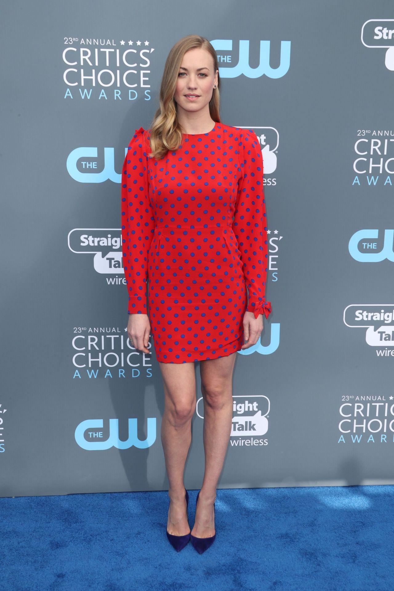 ¿Cuánto mide Yvonne Strahovski? - Real height Yvonne-strahovski-2018-critics-choice-awards-8
