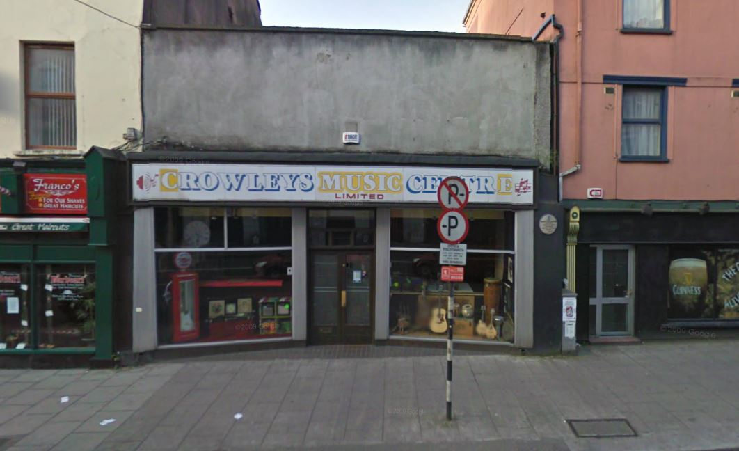 Lieux et monuments dédiés à Rory Gallagher - Page 7 Crowleys