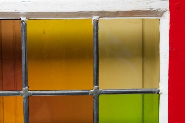 الزجاج الملون 104881-600x399-stained-glass-vintage