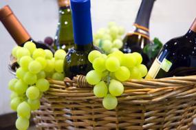 Обрезка винограда, уход за виноградом,рецепт приготовления вина. 110707-285x190-Wine_basket