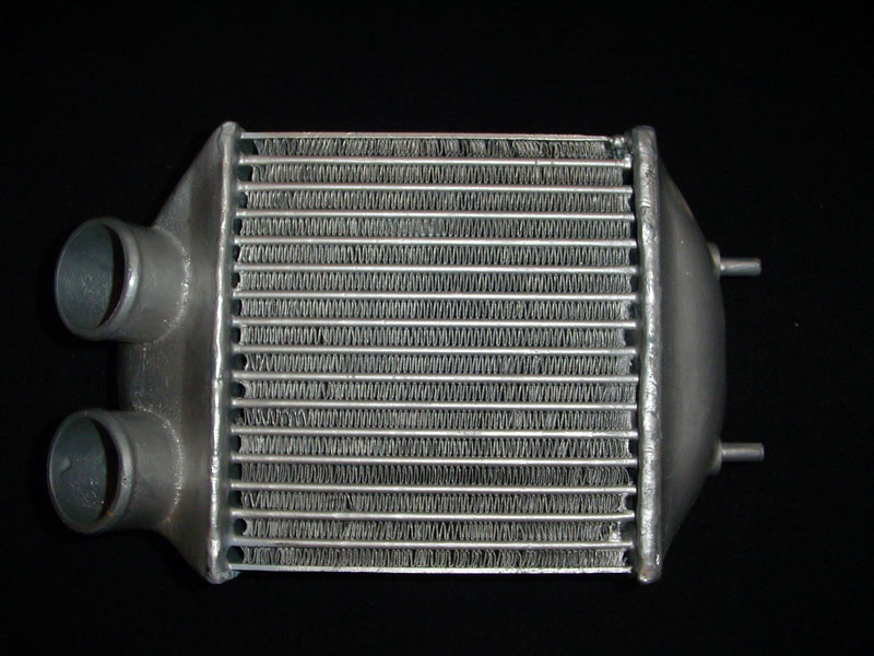 r25 turbo ph1. intercooler DSC01674