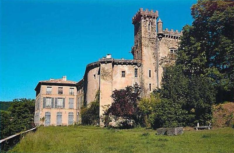 un château - ajonc- 2 août bravo snoopie Chateau_chalabre4