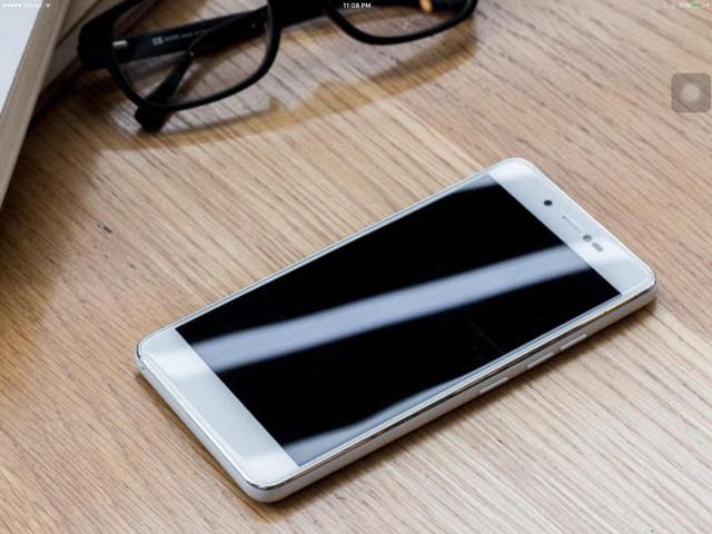 """Mobile • Bộ đôi """"anh em Soái Ca"""" của Mobiistar thu hút chú ý trước ngày lên kệ • http://i.imgur.com/3j9aaTG.jpg • Chỉ sau 1 tuần hé lộ thông tin, bộ đôi LAI Zumbo S và LAI Zumbo J đã thu hút sự chú ý... Img20160627162750075"""