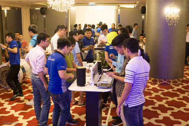galaxy -s7 - Mobile • Háo hức trải nghiệm Samsung Galaxy S7 đầu tiên tại Hà Nội • http://i.imgur.com/DTqpih9.jpg • Tối ngày 13/8, Viettel Store phối hợp với Hãng Samsung tổ chức chương trình Tech offline cho các Sam... Img20160815160312766