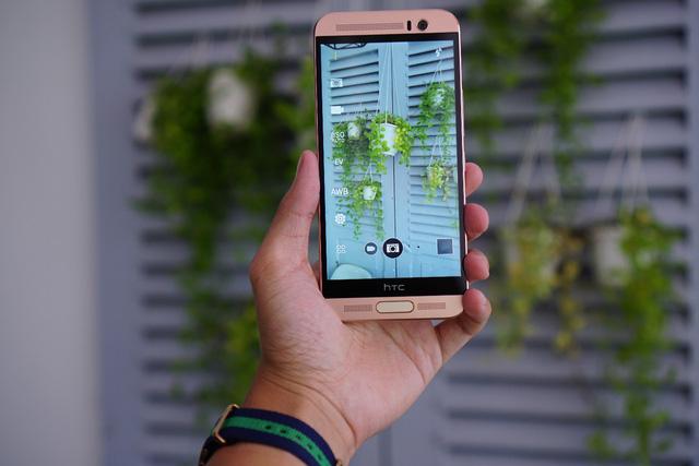 Mobile • 3 Lý do người dùng nên sở hữu ngay HTC One ME • http://i.imgur.com/e4oP4tA.jpg • Là một sản phẩm hoàn hảo với máy ảnh chính 20MP và màn hình độ phân giải 2K sắc sảo trong khi giá bán lẻ... Img20160816115803969