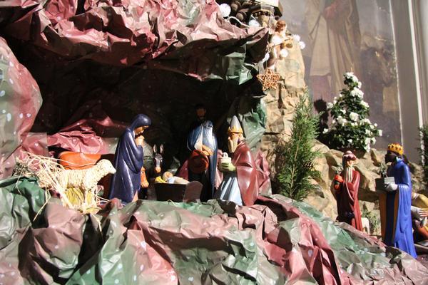 Les crèches de Noël 2015 Epiphanie_2014_002