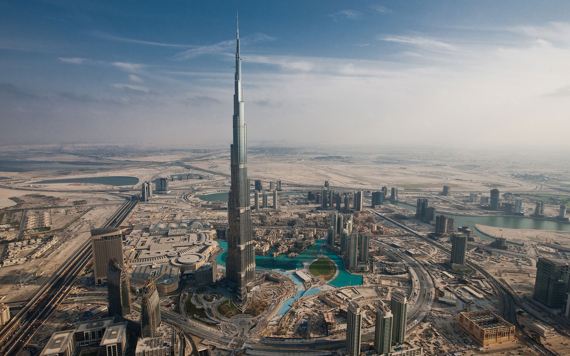 Las construcciones más altas del mundo de ayer y hoy Burj-Khalifa_Dubai_panorama