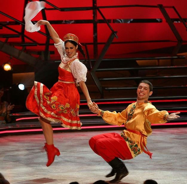 Ples,muzika igra RussianDance