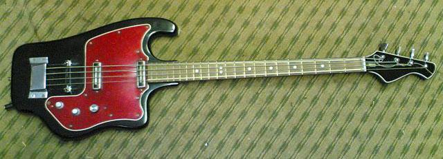 Instrumentos vintage brasileiros. Tonika_bass_red1