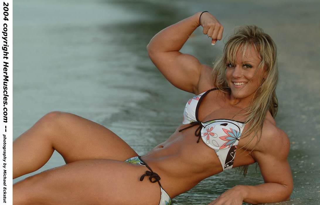 Mulheres super Musculadas  Dscf7049