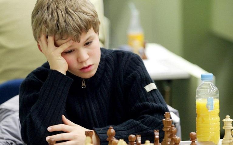 Шахматы. Сезоны 980326