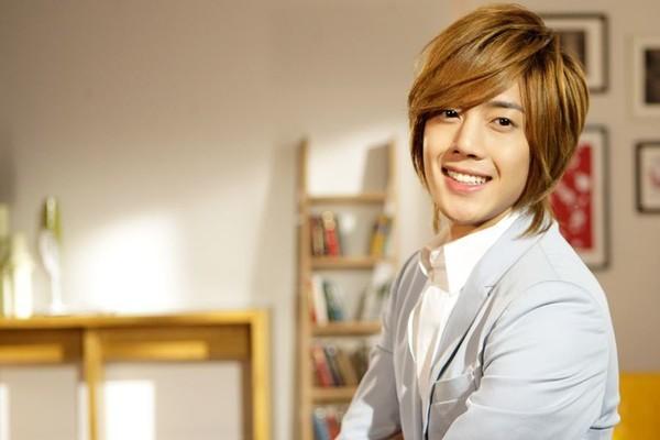 Kim-Hyun-Joong của Wild Grass nè ^^ Hyun-joong-new-hair