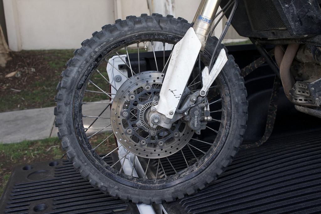 Le problème des BMW GS800 c'est le garde boue 1212170304_sTVbW-XL