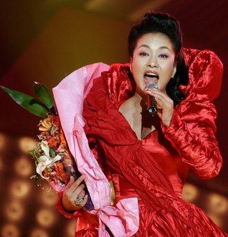 Liderazgo del Partido Comunista Chino Singer-peng-liyuan-1