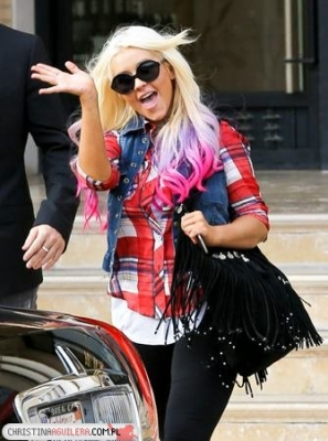 [Fotos] Christina Aguilera -  Beverly Hills 09/10/2012 Normal_13