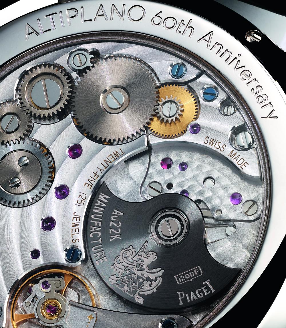 montres de + de 1000 euros - Page 41 G0A42105_Back