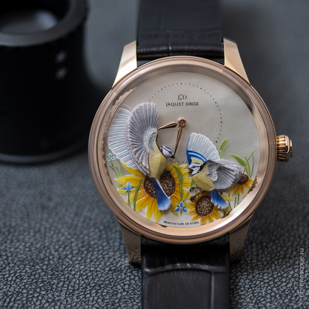 montres de + de 1000 euros - Page 42 Jaquet-Droz-Petite-Heure-Minute-Relief-Seasons