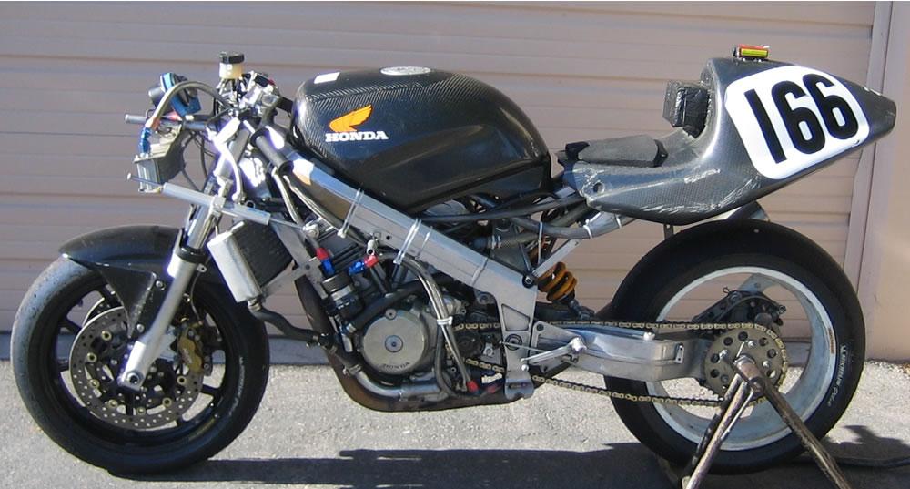 Qu'est ce que c'est comme moto? - Page 2 Race%20Bike%20left2